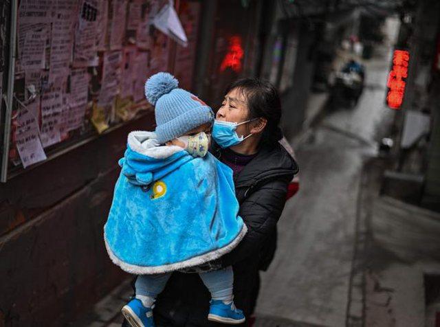 Një vit pas bllokimit të Wuhan, Kina në gatishmëri për