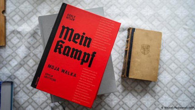 """""""Mein Kampf"""" i Hitlerit, shitjet bëjnë kërdinë"""
