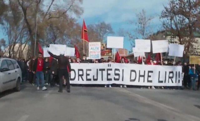 """Protestë e madhe në Shkup për rastin """"Monstra"""":"""