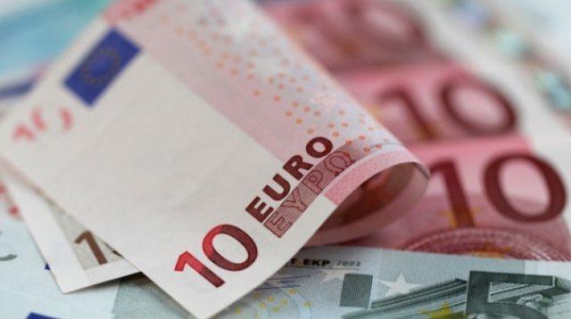 Pasuria financiare e shqiptarëve llogaritet 8,1 miliardë euro