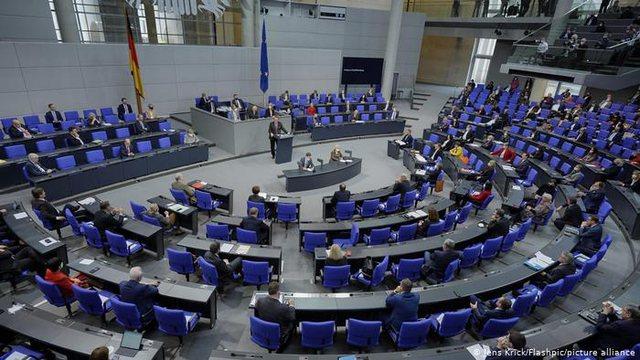 Gjermania hapi dyert për Ballkanin, debat për pagat e ulëta
