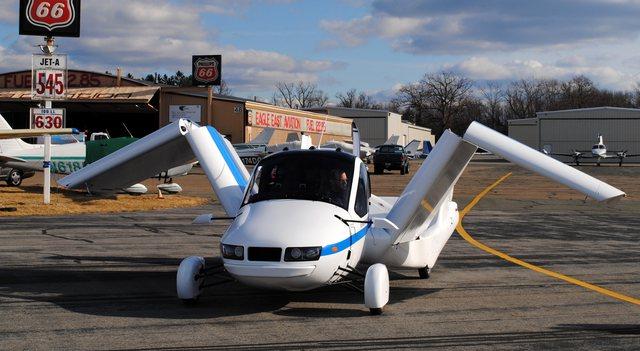 Shpiket makina fluturuese/ Ecën në tokë dhe në ajër,