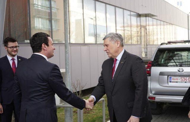 Bashkim Kosovë-Shqipëri? Ambasadori Kosnett zbulon qendrimin e SHBA