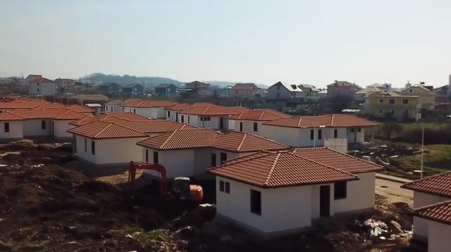 Rama poston pamjet nga kantieri i ndërtimit të banesave në