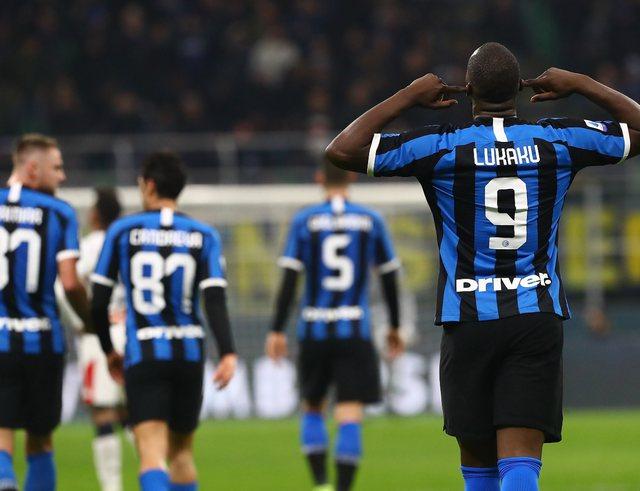 Video/ Inter mposht Genoan, sytë nga përballja Roma-Milan