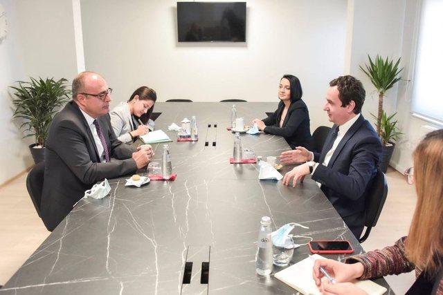 Albin Kurti i premton Turqisë rishikimin e vendimit për hapjen e