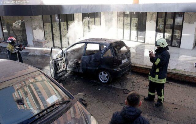 FOTOT/ Merr flakë makina e një gruaje në Tiranë,