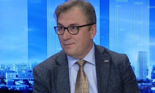 """Politika """"kris"""" Komitetin e Ekspertëve, Skënder Brataj"""