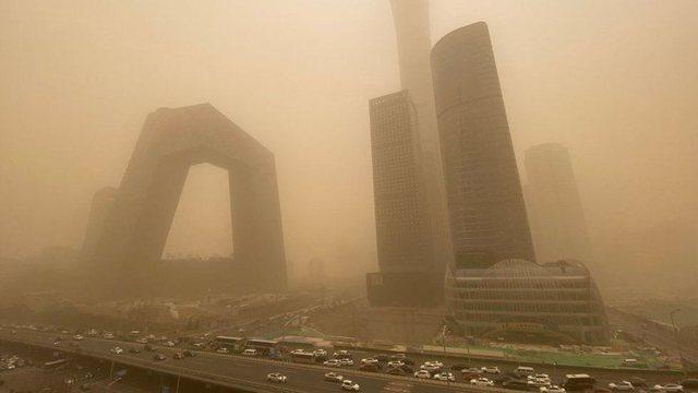 """""""Duket si fundi i botës""""/ Pekini goditet nga stuhia më e"""