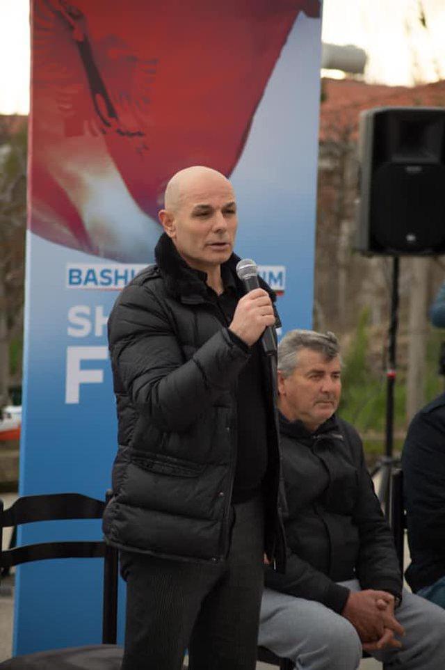 Basha kërkon votat e vlonjatëve për njeriun e familjes Berisha