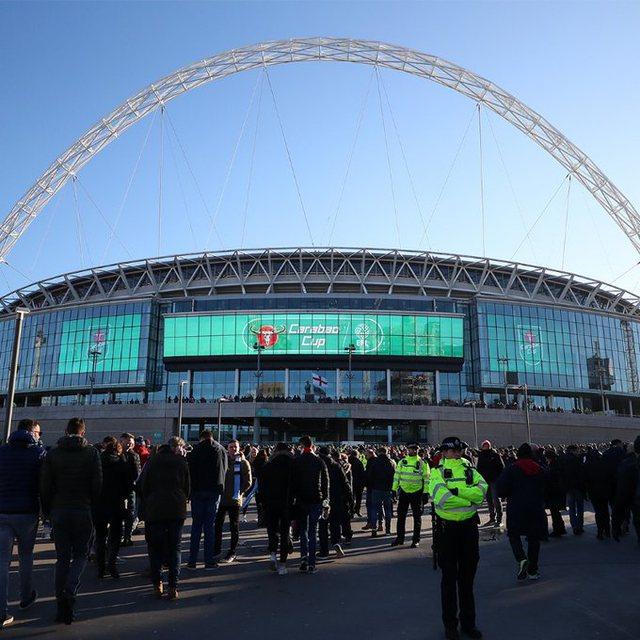 Lajm i madh/ Hapen dyert e stadiumit për tifozët anglezë