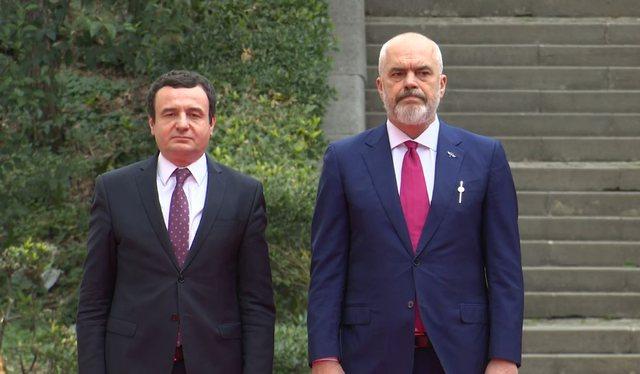 Albin Kurti refuzoi vaksinat kineze të Shqipërisë, deputeti