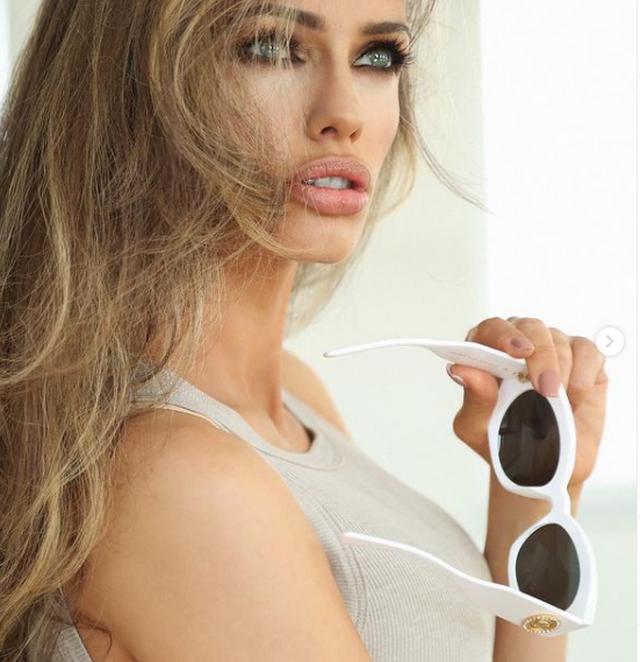 Ju kujtohet Zana Krasniqi? Zbuloni si ka ndryshuar modelja e njohur (FOTO)