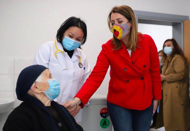 Rreth 243 mijë të vaksinuar në Shqipëri, sa doza u injektuan