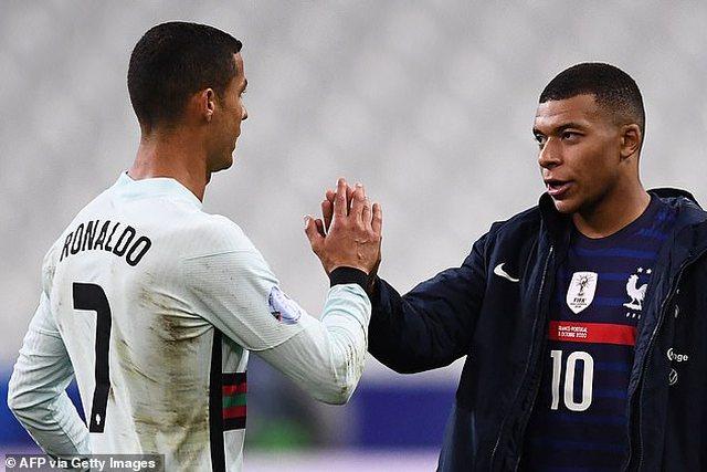 """Mbappe dhe Ronaldo, dy """"bombat"""" e merkatos"""
