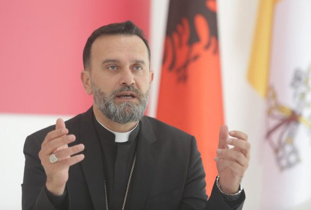 Apeli i Kishës Katolike për zgjedhjet: Kush e shet votën, ka