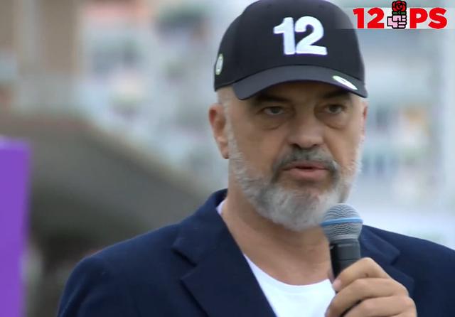 Rama batuta me të rinjtë në Durrës: Futini një të