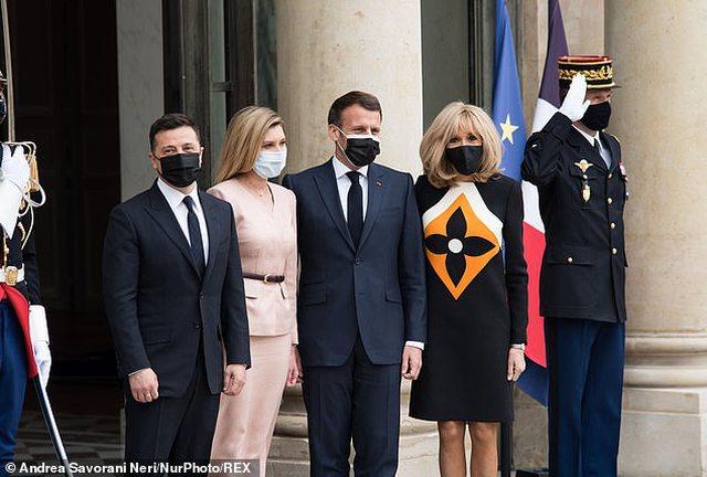 E gjithë vëmendja te Brigitte Macron! 68-vjeçarja shfaqet super