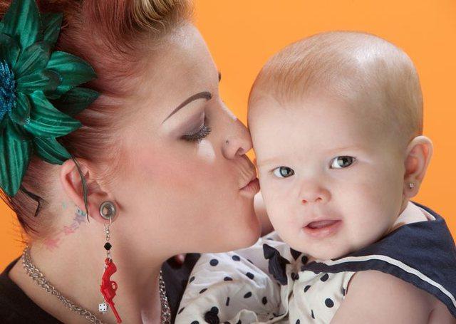 Arsyet pse shpimi i veshëve të foshnjave mund të mos jetë