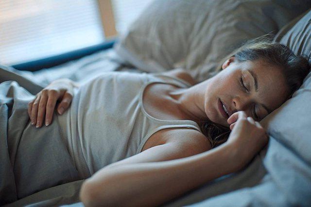 Paralajmërimi i mjekëve: Gratë që zgjohen natën