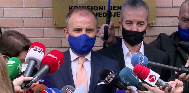 Soreca u flet shqip shqiptarëve: Dilni e votoni! Fjala e fundit për