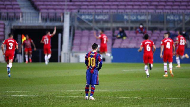 Barça shpërdoron një mundësi të artë për