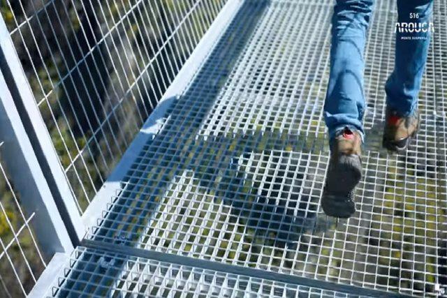 VIDEO/ Hapet për këmbësorë ura më e gjatë e varur