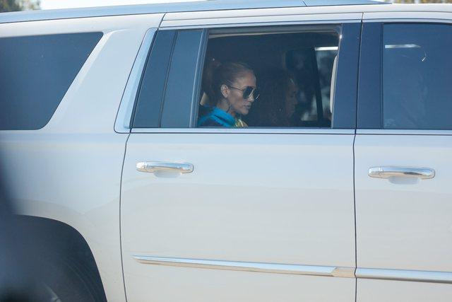 Pas ndarjes së bujshme nga Alex, Jennifer Lopez kapet mat në