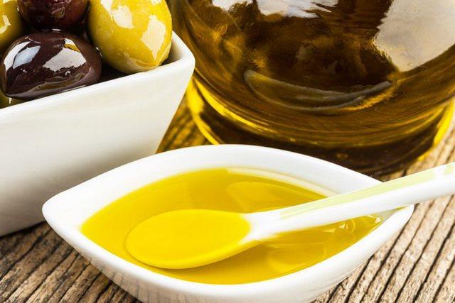 Vaj ulliri me kripë/ Si ta përdorni kundër problemeve me kockat
