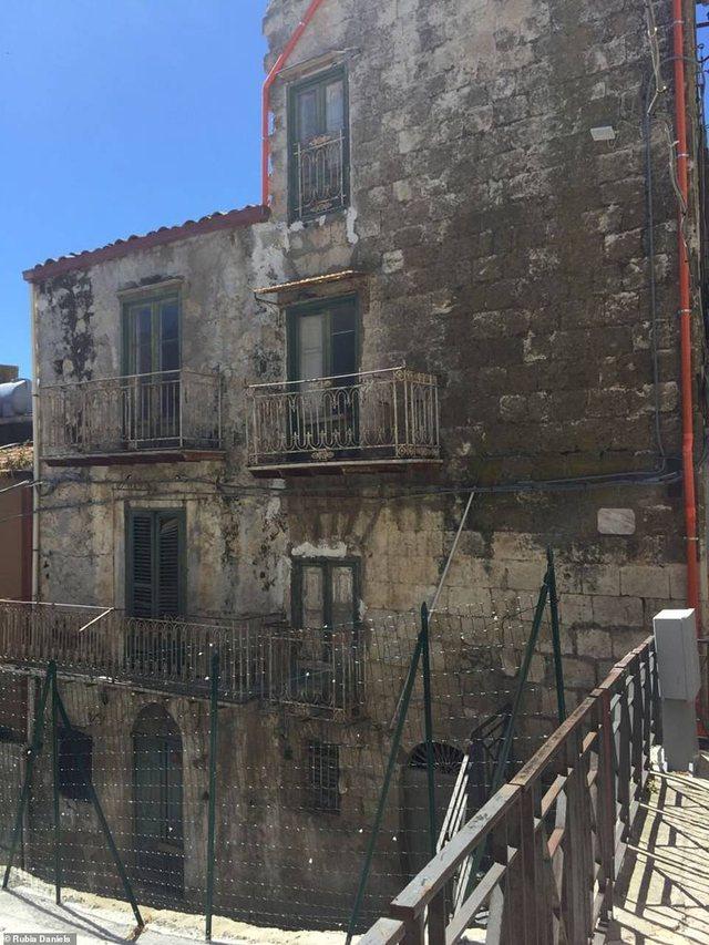 Gruaja nga Kalifornia bleu 3 shtëpi nga 1 euro në Itali, por ka