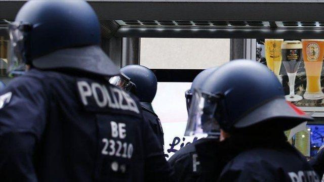 Gjermani, arrestohet personi që kërcënonte politikanët dhe