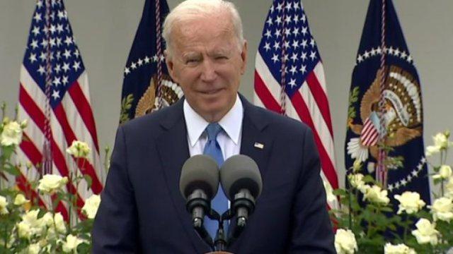 Joe Biden shfaqet pa maskë dhe jep lajmin: Personat e vaksinuar me dy doza