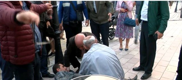 VIDEO/ Bie suvaja pas shfaqjes në Shkodër, plagoset në trup