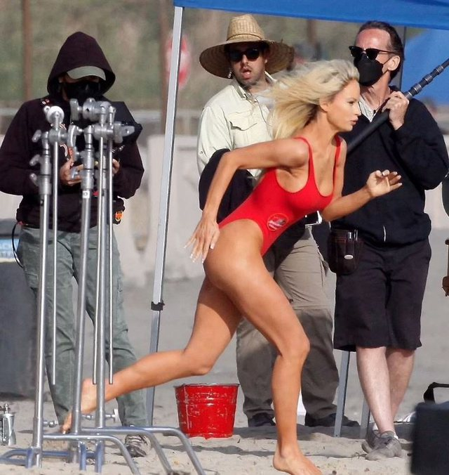 Do të luaj rolin e Pamela Anderson, të gjithë mbeten pafjalë