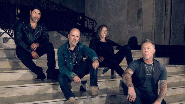 Metallica dhuron 1.6 mln dollarë për gjimnazet amerikane