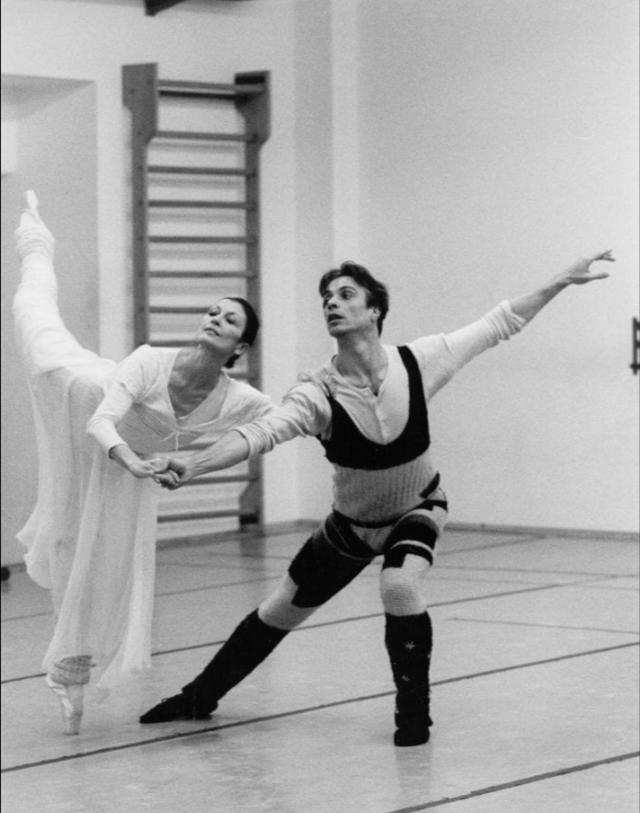 Lamtumirë mbretëresha e baletit italian! Carla Fracci ndërron