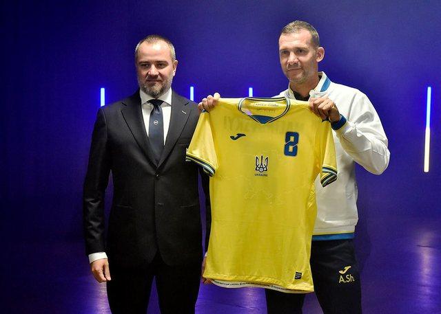 Fanella e Ukrainës në Euro 2020 tërbon Rusinë: Provokim!