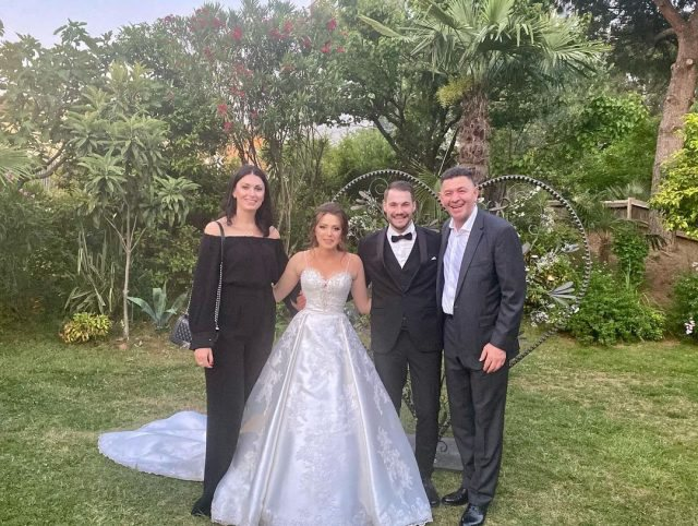 Sandër Lleshaj marton vajzën, i ftuar edhe ish-boksieri me famë