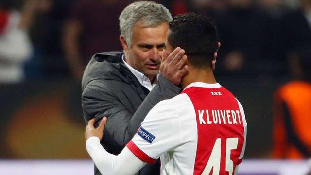 Mourinho beson te Kluivert, holandezi qëndron te Roma