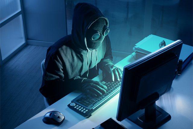 Si grupet kriminale punësojnë hakera për të grabitur para