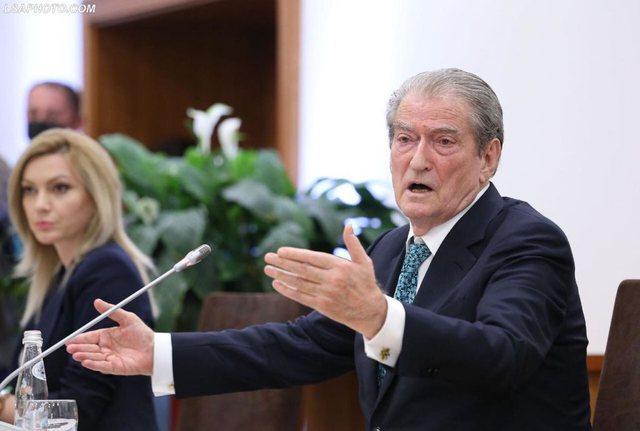 """""""Berisha tenton të rikthehet në krye të PD, që të"""