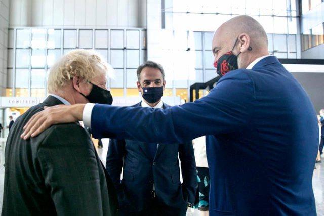 Krah për krah me Boris Johnson dhe Mitsotakis/ Rama nxjerr fotot nga Samiti