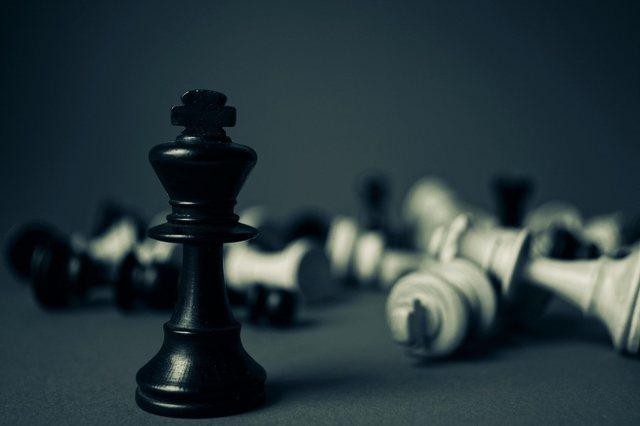 Njihuni me ?5 veprime të shefave që e dëmtojnë moralin e