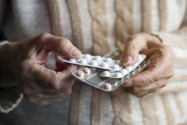 Kujdes me antibiotikët/ Zbuloni çfarë i bëjnë