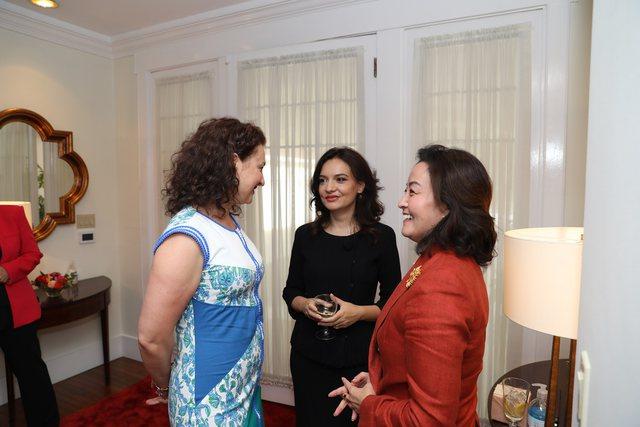 Largohet krahu i djathtë i ambasadores Kim, Spiropali nxjerr FOTOT nga