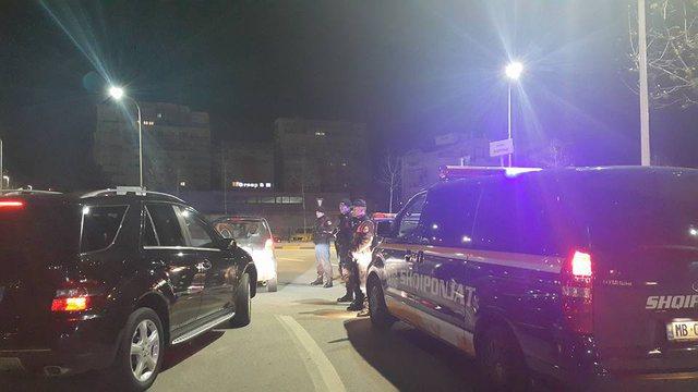 Si në filma/ Trafikantët e kokainës përplasin policinë