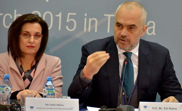 """""""Kushërira"""" e kryeministrit: Rama më ka bërë dy"""