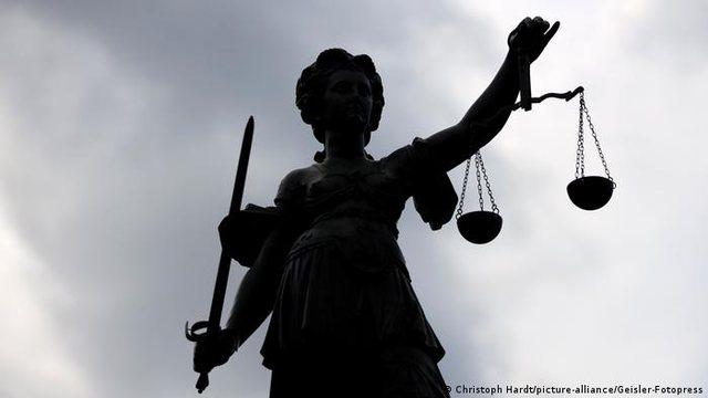 Sfida e drejtësisë së re, goditja e të