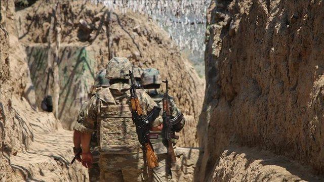 Prag lufte? Dy ushtarë të Azerbajxhanit qëllohen nga forcat
