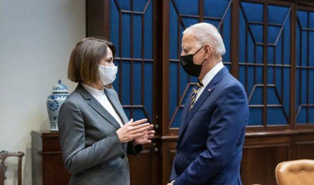 Drejtuesja e opozitës bjelloruse takohet me Presidentin Biden